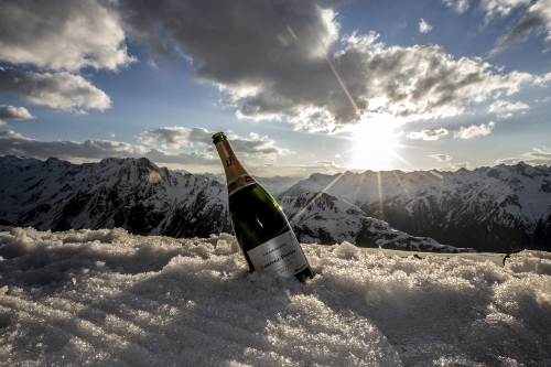 Laurent-Perrier sponsort die Ski-WM der Gastronomen in Ischgl. © Champagne Laurent-Perrier