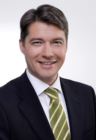"Roland Motschiunig ist ab 15. Oktober 2010 neuer Country Business Manager ""Hot and Cold Beverages"".® Nestlé"