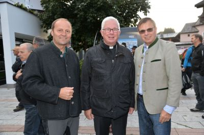 V.l.n.r.: Tirols LH-Stv. Josef Geisler, Erzbischof Franz Lackner und café+co International CEO Gerald Steger © café+co